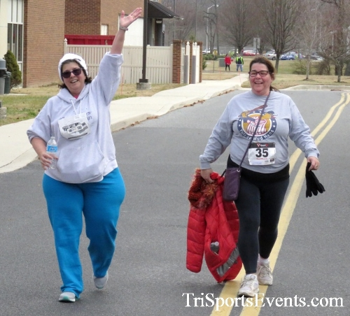 Chocolate 5K Run/Walk<br><br><br><br><a href='http://www.trisportsevents.com/pics/17_Chocolate_5K_510.JPG' download='17_Chocolate_5K_510.JPG'>Click here to download.</a><Br><a href='http://www.facebook.com/sharer.php?u=http:%2F%2Fwww.trisportsevents.com%2Fpics%2F17_Chocolate_5K_510.JPG&t=Chocolate 5K Run/Walk' target='_blank'><img src='images/fb_share.png' width='100'></a>