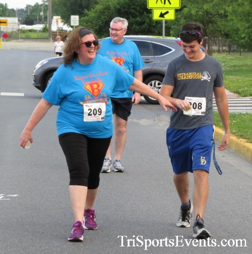 Cougars for a Cause 5K Run/Walk<br><br><br><br><a href='https://www.trisportsevents.com/pics/17_Cougars_for_a_Cause_5K_148.JPG' download='17_Cougars_for_a_Cause_5K_148.JPG'>Click here to download.</a><Br><a href='http://www.facebook.com/sharer.php?u=http:%2F%2Fwww.trisportsevents.com%2Fpics%2F17_Cougars_for_a_Cause_5K_148.JPG&t=Cougars for a Cause 5K Run/Walk' target='_blank'><img src='images/fb_share.png' width='100'></a>