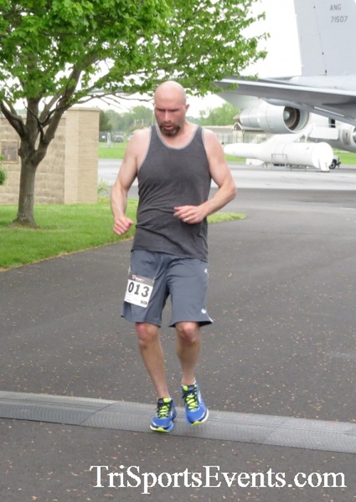 Dover Air Force Base Heritage Half Marathon & 5K Run/Walk<br><br><br><br><a href='http://www.trisportsevents.com/pics/17_DAFB_Half-5K_009.JPG' download='17_DAFB_Half-5K_009.JPG'>Click here to download.</a><Br><a href='http://www.facebook.com/sharer.php?u=http:%2F%2Fwww.trisportsevents.com%2Fpics%2F17_DAFB_Half-5K_009.JPG&t=Dover Air Force Base Heritage Half Marathon & 5K Run/Walk' target='_blank'><img src='images/fb_share.png' width='100'></a>