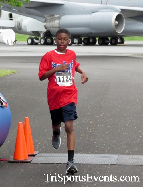 Dover Air Force Base Heritage Half Marathon & 5K Run/Walk<br><br><br><br><a href='https://www.trisportsevents.com/pics/17_DAFB_Half-5K_012.JPG' download='17_DAFB_Half-5K_012.JPG'>Click here to download.</a><Br><a href='http://www.facebook.com/sharer.php?u=http:%2F%2Fwww.trisportsevents.com%2Fpics%2F17_DAFB_Half-5K_012.JPG&t=Dover Air Force Base Heritage Half Marathon & 5K Run/Walk' target='_blank'><img src='images/fb_share.png' width='100'></a>