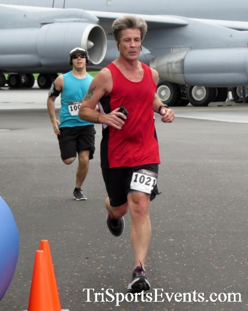 Dover Air Force Base Heritage Half Marathon & 5K Run/Walk<br><br><br><br><a href='https://www.trisportsevents.com/pics/17_DAFB_Half-5K_033.JPG' download='17_DAFB_Half-5K_033.JPG'>Click here to download.</a><Br><a href='http://www.facebook.com/sharer.php?u=http:%2F%2Fwww.trisportsevents.com%2Fpics%2F17_DAFB_Half-5K_033.JPG&t=Dover Air Force Base Heritage Half Marathon & 5K Run/Walk' target='_blank'><img src='images/fb_share.png' width='100'></a>