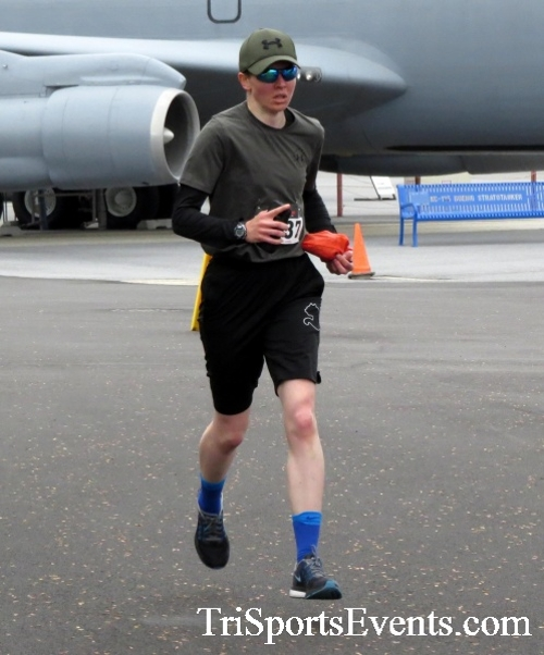 Dover Air Force Base Heritage Half Marathon & 5K Run/Walk<br><br><br><br><a href='https://www.trisportsevents.com/pics/17_DAFB_Half-5K_035.JPG' download='17_DAFB_Half-5K_035.JPG'>Click here to download.</a><Br><a href='http://www.facebook.com/sharer.php?u=http:%2F%2Fwww.trisportsevents.com%2Fpics%2F17_DAFB_Half-5K_035.JPG&t=Dover Air Force Base Heritage Half Marathon & 5K Run/Walk' target='_blank'><img src='images/fb_share.png' width='100'></a>