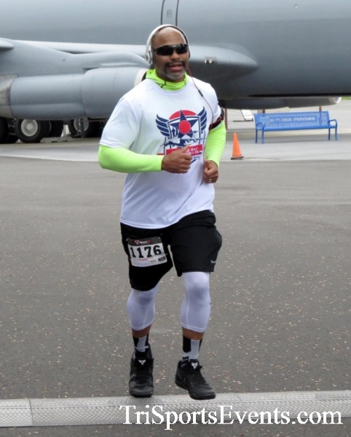 Dover Air Force Base Heritage Half Marathon & 5K Run/Walk<br><br><br><br><a href='https://www.trisportsevents.com/pics/17_DAFB_Half-5K_057.JPG' download='17_DAFB_Half-5K_057.JPG'>Click here to download.</a><Br><a href='http://www.facebook.com/sharer.php?u=http:%2F%2Fwww.trisportsevents.com%2Fpics%2F17_DAFB_Half-5K_057.JPG&t=Dover Air Force Base Heritage Half Marathon & 5K Run/Walk' target='_blank'><img src='images/fb_share.png' width='100'></a>