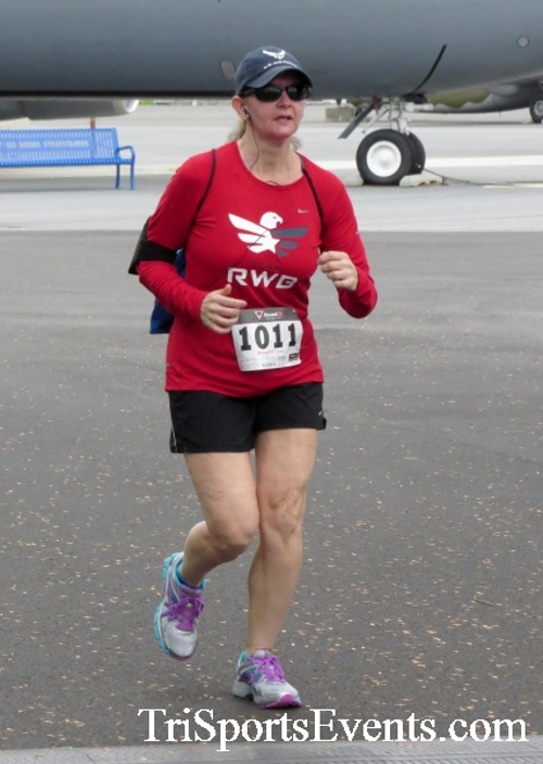 Dover Air Force Base Heritage Half Marathon & 5K Run/Walk<br><br><br><br><a href='https://www.trisportsevents.com/pics/17_DAFB_Half-5K_072.JPG' download='17_DAFB_Half-5K_072.JPG'>Click here to download.</a><Br><a href='http://www.facebook.com/sharer.php?u=http:%2F%2Fwww.trisportsevents.com%2Fpics%2F17_DAFB_Half-5K_072.JPG&t=Dover Air Force Base Heritage Half Marathon & 5K Run/Walk' target='_blank'><img src='images/fb_share.png' width='100'></a>