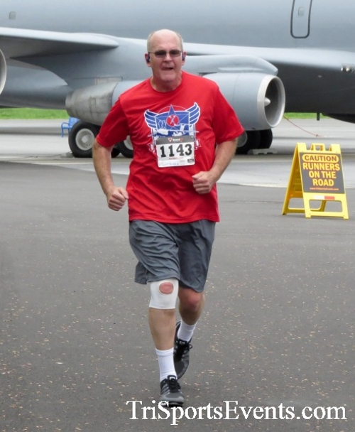 Dover Air Force Base Heritage Half Marathon & 5K Run/Walk<br><br><br><br><a href='https://www.trisportsevents.com/pics/17_DAFB_Half-5K_078.JPG' download='17_DAFB_Half-5K_078.JPG'>Click here to download.</a><Br><a href='http://www.facebook.com/sharer.php?u=http:%2F%2Fwww.trisportsevents.com%2Fpics%2F17_DAFB_Half-5K_078.JPG&t=Dover Air Force Base Heritage Half Marathon & 5K Run/Walk' target='_blank'><img src='images/fb_share.png' width='100'></a>