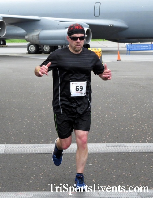 Dover Air Force Base Heritage Half Marathon & 5K Run/Walk<br><br><br><br><a href='https://www.trisportsevents.com/pics/17_DAFB_Half-5K_147.JPG' download='17_DAFB_Half-5K_147.JPG'>Click here to download.</a><Br><a href='http://www.facebook.com/sharer.php?u=http:%2F%2Fwww.trisportsevents.com%2Fpics%2F17_DAFB_Half-5K_147.JPG&t=Dover Air Force Base Heritage Half Marathon & 5K Run/Walk' target='_blank'><img src='images/fb_share.png' width='100'></a>