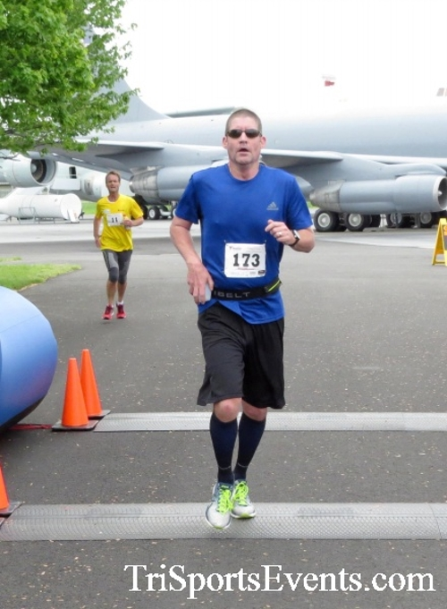 Dover Air Force Base Heritage Half Marathon & 5K Run/Walk<br><br><br><br><a href='https://www.trisportsevents.com/pics/17_DAFB_Half-5K_149.JPG' download='17_DAFB_Half-5K_149.JPG'>Click here to download.</a><Br><a href='http://www.facebook.com/sharer.php?u=http:%2F%2Fwww.trisportsevents.com%2Fpics%2F17_DAFB_Half-5K_149.JPG&t=Dover Air Force Base Heritage Half Marathon & 5K Run/Walk' target='_blank'><img src='images/fb_share.png' width='100'></a>