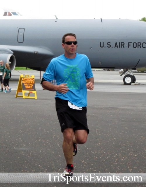 Dover Air Force Base Heritage Half Marathon & 5K Run/Walk<br><br><br><br><a href='https://www.trisportsevents.com/pics/17_DAFB_Half-5K_164.JPG' download='17_DAFB_Half-5K_164.JPG'>Click here to download.</a><Br><a href='http://www.facebook.com/sharer.php?u=http:%2F%2Fwww.trisportsevents.com%2Fpics%2F17_DAFB_Half-5K_164.JPG&t=Dover Air Force Base Heritage Half Marathon & 5K Run/Walk' target='_blank'><img src='images/fb_share.png' width='100'></a>