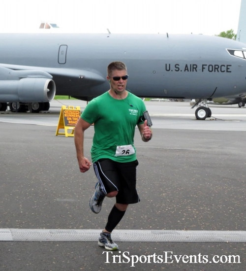 Dover Air Force Base Heritage Half Marathon & 5K Run/Walk<br><br><br><br><a href='http://www.trisportsevents.com/pics/17_DAFB_Half-5K_178.JPG' download='17_DAFB_Half-5K_178.JPG'>Click here to download.</a><Br><a href='http://www.facebook.com/sharer.php?u=http:%2F%2Fwww.trisportsevents.com%2Fpics%2F17_DAFB_Half-5K_178.JPG&t=Dover Air Force Base Heritage Half Marathon & 5K Run/Walk' target='_blank'><img src='images/fb_share.png' width='100'></a>