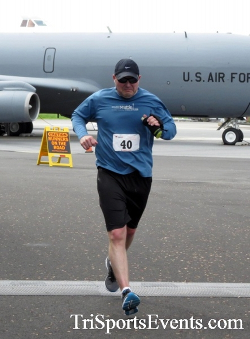 Dover Air Force Base Heritage Half Marathon & 5K Run/Walk<br><br><br><br><a href='https://www.trisportsevents.com/pics/17_DAFB_Half-5K_182.JPG' download='17_DAFB_Half-5K_182.JPG'>Click here to download.</a><Br><a href='http://www.facebook.com/sharer.php?u=http:%2F%2Fwww.trisportsevents.com%2Fpics%2F17_DAFB_Half-5K_182.JPG&t=Dover Air Force Base Heritage Half Marathon & 5K Run/Walk' target='_blank'><img src='images/fb_share.png' width='100'></a>