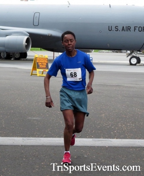 Dover Air Force Base Heritage Half Marathon & 5K Run/Walk<br><br><br><br><a href='https://www.trisportsevents.com/pics/17_DAFB_Half-5K_185.JPG' download='17_DAFB_Half-5K_185.JPG'>Click here to download.</a><Br><a href='http://www.facebook.com/sharer.php?u=http:%2F%2Fwww.trisportsevents.com%2Fpics%2F17_DAFB_Half-5K_185.JPG&t=Dover Air Force Base Heritage Half Marathon & 5K Run/Walk' target='_blank'><img src='images/fb_share.png' width='100'></a>