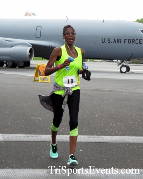 Dover Air Force Base Heritage Half Marathon & 5K Run/Walk<br><br><br><br><a href='https://www.trisportsevents.com/pics/17_DAFB_Half-5K_186.JPG' download='17_DAFB_Half-5K_186.JPG'>Click here to download.</a><Br><a href='http://www.facebook.com/sharer.php?u=http:%2F%2Fwww.trisportsevents.com%2Fpics%2F17_DAFB_Half-5K_186.JPG&t=Dover Air Force Base Heritage Half Marathon & 5K Run/Walk' target='_blank'><img src='images/fb_share.png' width='100'></a>