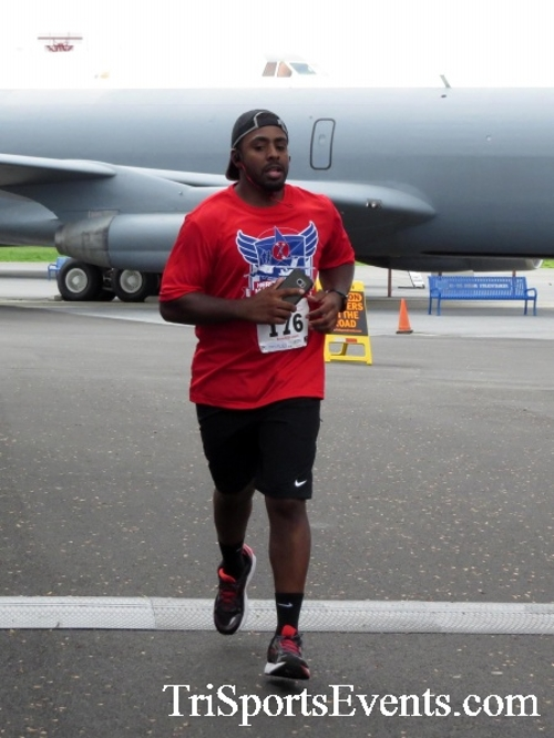 Dover Air Force Base Heritage Half Marathon & 5K Run/Walk<br><br><br><br><a href='https://www.trisportsevents.com/pics/17_DAFB_Half-5K_192.JPG' download='17_DAFB_Half-5K_192.JPG'>Click here to download.</a><Br><a href='http://www.facebook.com/sharer.php?u=http:%2F%2Fwww.trisportsevents.com%2Fpics%2F17_DAFB_Half-5K_192.JPG&t=Dover Air Force Base Heritage Half Marathon & 5K Run/Walk' target='_blank'><img src='images/fb_share.png' width='100'></a>
