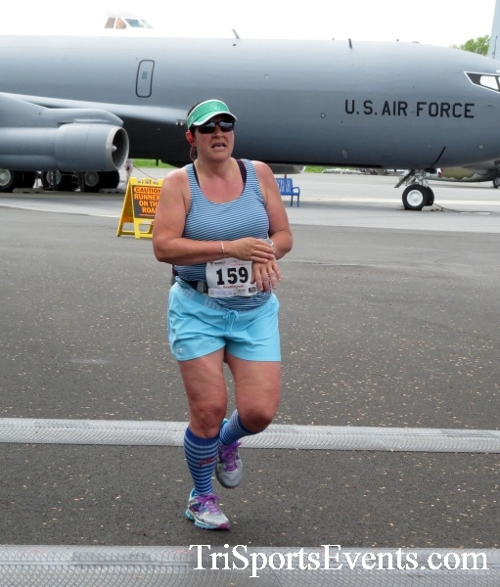 Dover Air Force Base Heritage Half Marathon & 5K Run/Walk<br><br><br><br><a href='https://www.trisportsevents.com/pics/17_DAFB_Half-5K_227.JPG' download='17_DAFB_Half-5K_227.JPG'>Click here to download.</a><Br><a href='http://www.facebook.com/sharer.php?u=http:%2F%2Fwww.trisportsevents.com%2Fpics%2F17_DAFB_Half-5K_227.JPG&t=Dover Air Force Base Heritage Half Marathon & 5K Run/Walk' target='_blank'><img src='images/fb_share.png' width='100'></a>
