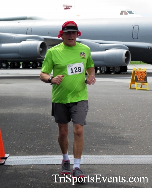 Dover Air Force Base Heritage Half Marathon & 5K Run/Walk<br><br><br><br><a href='https://www.trisportsevents.com/pics/17_DAFB_Half-5K_234.JPG' download='17_DAFB_Half-5K_234.JPG'>Click here to download.</a><Br><a href='http://www.facebook.com/sharer.php?u=http:%2F%2Fwww.trisportsevents.com%2Fpics%2F17_DAFB_Half-5K_234.JPG&t=Dover Air Force Base Heritage Half Marathon & 5K Run/Walk' target='_blank'><img src='images/fb_share.png' width='100'></a>