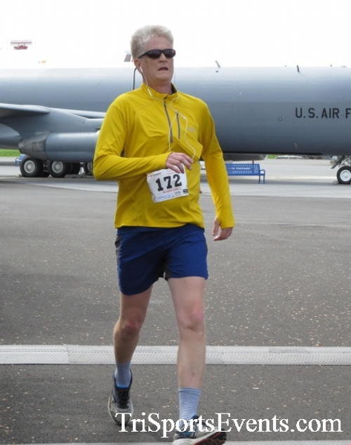 Dover Air Force Base Heritage Half Marathon & 5K Run/Walk<br><br><br><br><a href='https://www.trisportsevents.com/pics/17_DAFB_Half-5K_244.JPG' download='17_DAFB_Half-5K_244.JPG'>Click here to download.</a><Br><a href='http://www.facebook.com/sharer.php?u=http:%2F%2Fwww.trisportsevents.com%2Fpics%2F17_DAFB_Half-5K_244.JPG&t=Dover Air Force Base Heritage Half Marathon & 5K Run/Walk' target='_blank'><img src='images/fb_share.png' width='100'></a>