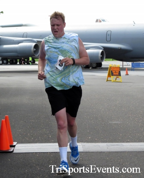 Dover Air Force Base Heritage Half Marathon & 5K Run/Walk<br><br><br><br><a href='https://www.trisportsevents.com/pics/17_DAFB_Half-5K_248.JPG' download='17_DAFB_Half-5K_248.JPG'>Click here to download.</a><Br><a href='http://www.facebook.com/sharer.php?u=http:%2F%2Fwww.trisportsevents.com%2Fpics%2F17_DAFB_Half-5K_248.JPG&t=Dover Air Force Base Heritage Half Marathon & 5K Run/Walk' target='_blank'><img src='images/fb_share.png' width='100'></a>