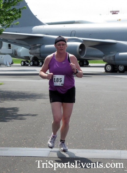 Dover Air Force Base Heritage Half Marathon & 5K Run/Walk<br><br><br><br><a href='https://www.trisportsevents.com/pics/17_DAFB_Half-5K_306.JPG' download='17_DAFB_Half-5K_306.JPG'>Click here to download.</a><Br><a href='http://www.facebook.com/sharer.php?u=http:%2F%2Fwww.trisportsevents.com%2Fpics%2F17_DAFB_Half-5K_306.JPG&t=Dover Air Force Base Heritage Half Marathon & 5K Run/Walk' target='_blank'><img src='images/fb_share.png' width='100'></a>
