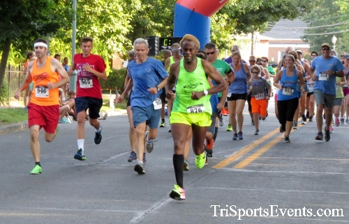 Dover Running Festival Mile & 5K Run/Walk<br><br><br><br><a href='https://www.trisportsevents.com/pics/17_Dover_Mile-5K_079.JPG' download='17_Dover_Mile-5K_079.JPG'>Click here to download.</a><Br><a href='http://www.facebook.com/sharer.php?u=http:%2F%2Fwww.trisportsevents.com%2Fpics%2F17_Dover_Mile-5K_079.JPG&t=Dover Running Festival Mile & 5K Run/Walk' target='_blank'><img src='images/fb_share.png' width='100'></a>