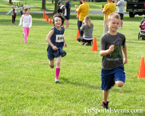 Gotta Have Faye-th 5K Run/Walk<br><br><br><br><a href='http://www.trisportsevents.com/pics/17_Gotta_Have_Faye-th_5K_005.JPG' download='17_Gotta_Have_Faye-th_5K_005.JPG'>Click here to download.</a><Br><a href='http://www.facebook.com/sharer.php?u=http:%2F%2Fwww.trisportsevents.com%2Fpics%2F17_Gotta_Have_Faye-th_5K_005.JPG&t=Gotta Have Faye-th 5K Run/Walk' target='_blank'><img src='images/fb_share.png' width='100'></a>