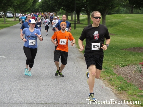 Gotta Have Faye-th 5K Run/Walk<br><br><br><br><a href='http://www.trisportsevents.com/pics/17_Gotta_Have_Faye-th_5K_018.JPG' download='17_Gotta_Have_Faye-th_5K_018.JPG'>Click here to download.</a><Br><a href='http://www.facebook.com/sharer.php?u=http:%2F%2Fwww.trisportsevents.com%2Fpics%2F17_Gotta_Have_Faye-th_5K_018.JPG&t=Gotta Have Faye-th 5K Run/Walk' target='_blank'><img src='images/fb_share.png' width='100'></a>