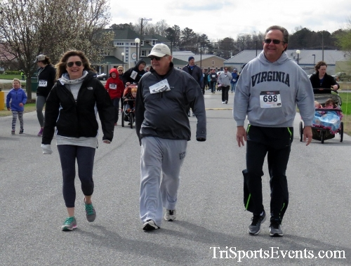 Heart & Sole 5K Run/Walk<br><br><br><br><a href='http://www.trisportsevents.com/pics/17_Heart_&_Soul_5K_068.JPG' download='17_Heart_&_Soul_5K_068.JPG'>Click here to download.</a><Br><a href='http://www.facebook.com/sharer.php?u=http:%2F%2Fwww.trisportsevents.com%2Fpics%2F17_Heart_&_Soul_5K_068.JPG&t=Heart & Sole 5K Run/Walk' target='_blank'><img src='images/fb_share.png' width='100'></a>
