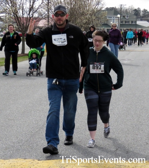 Heart & Sole 5K Run/Walk<br><br><br><br><a href='http://www.trisportsevents.com/pics/17_Heart_&_Soul_5K_077.JPG' download='17_Heart_&_Soul_5K_077.JPG'>Click here to download.</a><Br><a href='http://www.facebook.com/sharer.php?u=http:%2F%2Fwww.trisportsevents.com%2Fpics%2F17_Heart_&_Soul_5K_077.JPG&t=Heart & Sole 5K Run/Walk' target='_blank'><img src='images/fb_share.png' width='100'></a>