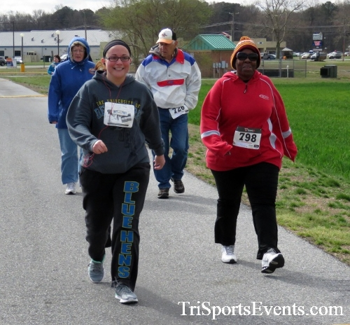 Heart & Sole 5K Run/Walk<br><br><br><br><a href='http://www.trisportsevents.com/pics/17_Heart_&_Soul_5K_078.JPG' download='17_Heart_&_Soul_5K_078.JPG'>Click here to download.</a><Br><a href='http://www.facebook.com/sharer.php?u=http:%2F%2Fwww.trisportsevents.com%2Fpics%2F17_Heart_&_Soul_5K_078.JPG&t=Heart & Sole 5K Run/Walk' target='_blank'><img src='images/fb_share.png' width='100'></a>