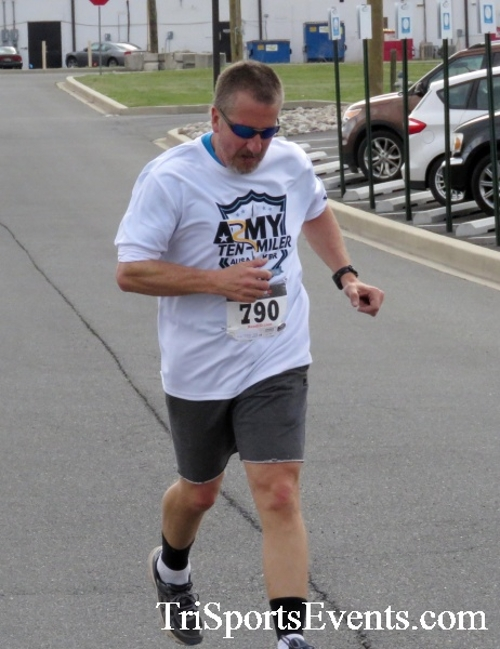 Heart & Sole 5K Run/Walk<br><br><br><br><a href='http://www.trisportsevents.com/pics/17_Heart_&_Soul_5K_106.JPG' download='17_Heart_&_Soul_5K_106.JPG'>Click here to download.</a><Br><a href='http://www.facebook.com/sharer.php?u=http:%2F%2Fwww.trisportsevents.com%2Fpics%2F17_Heart_&_Soul_5K_106.JPG&t=Heart & Sole 5K Run/Walk' target='_blank'><img src='images/fb_share.png' width='100'></a>
