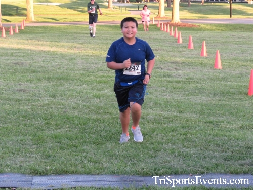 Holy Cross School's Family Fun 5K Run & Walk<br><br><br><br><a href='https://www.trisportsevents.com/pics/17_Holy_Cross_5K_122.JPG' download='17_Holy_Cross_5K_122.JPG'>Click here to download.</a><Br><a href='http://www.facebook.com/sharer.php?u=http:%2F%2Fwww.trisportsevents.com%2Fpics%2F17_Holy_Cross_5K_122.JPG&t=Holy Cross School's Family Fun 5K Run & Walk' target='_blank'><img src='images/fb_share.png' width='100'></a>