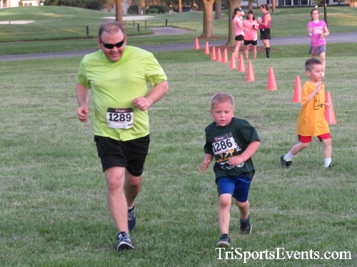 Holy Cross School's Family Fun 5K Run & Walk<br><br><br><br><a href='https://www.trisportsevents.com/pics/17_Holy_Cross_5K_147.JPG' download='17_Holy_Cross_5K_147.JPG'>Click here to download.</a><Br><a href='http://www.facebook.com/sharer.php?u=http:%2F%2Fwww.trisportsevents.com%2Fpics%2F17_Holy_Cross_5K_147.JPG&t=Holy Cross School's Family Fun 5K Run & Walk' target='_blank'><img src='images/fb_share.png' width='100'></a>