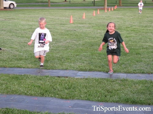 Holy Cross School's Family Fun 5K Run & Walk<br><br><br><br><a href='https://www.trisportsevents.com/pics/17_Holy_Cross_5K_159.JPG' download='17_Holy_Cross_5K_159.JPG'>Click here to download.</a><Br><a href='http://www.facebook.com/sharer.php?u=http:%2F%2Fwww.trisportsevents.com%2Fpics%2F17_Holy_Cross_5K_159.JPG&t=Holy Cross School's Family Fun 5K Run & Walk' target='_blank'><img src='images/fb_share.png' width='100'></a>