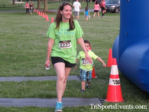 Holy Cross School's Family Fun 5K Run & Walk<br><br><br><br><a href='https://www.trisportsevents.com/pics/17_Holy_Cross_5K_167.JPG' download='17_Holy_Cross_5K_167.JPG'>Click here to download.</a><Br><a href='http://www.facebook.com/sharer.php?u=http:%2F%2Fwww.trisportsevents.com%2Fpics%2F17_Holy_Cross_5K_167.JPG&t=Holy Cross School's Family Fun 5K Run & Walk' target='_blank'><img src='images/fb_share.png' width='100'></a>
