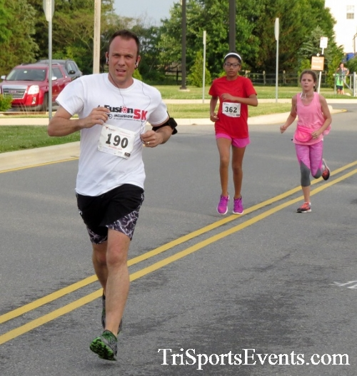 Otter Trotter 5K Run/Walk<br><br><br><br><a href='https://www.trisportsevents.com/pics/17_Otter_Trotter_5K_041.JPG' download='17_Otter_Trotter_5K_041.JPG'>Click here to download.</a><Br><a href='http://www.facebook.com/sharer.php?u=http:%2F%2Fwww.trisportsevents.com%2Fpics%2F17_Otter_Trotter_5K_041.JPG&t=Otter Trotter 5K Run/Walk' target='_blank'><img src='images/fb_share.png' width='100'></a>