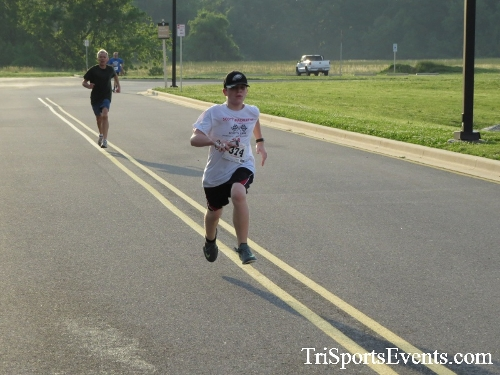 Otter Trotter 5K Run/Walk<br><br><br><br><a href='https://www.trisportsevents.com/pics/17_Otter_Trotter_5K_135.JPG' download='17_Otter_Trotter_5K_135.JPG'>Click here to download.</a><Br><a href='http://www.facebook.com/sharer.php?u=http:%2F%2Fwww.trisportsevents.com%2Fpics%2F17_Otter_Trotter_5K_135.JPG&t=Otter Trotter 5K Run/Walk' target='_blank'><img src='images/fb_share.png' width='100'></a>