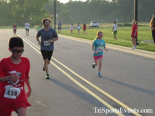 Otter Trotter 5K Run/Walk<br><br><br><br><a href='https://www.trisportsevents.com/pics/17_Otter_Trotter_5K_187.JPG' download='17_Otter_Trotter_5K_187.JPG'>Click here to download.</a><Br><a href='http://www.facebook.com/sharer.php?u=http:%2F%2Fwww.trisportsevents.com%2Fpics%2F17_Otter_Trotter_5K_187.JPG&t=Otter Trotter 5K Run/Walk' target='_blank'><img src='images/fb_share.png' width='100'></a>