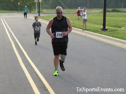 Otter Trotter 5K Run/Walk<br><br><br><br><a href='https://www.trisportsevents.com/pics/17_Otter_Trotter_5K_227.JPG' download='17_Otter_Trotter_5K_227.JPG'>Click here to download.</a><Br><a href='http://www.facebook.com/sharer.php?u=http:%2F%2Fwww.trisportsevents.com%2Fpics%2F17_Otter_Trotter_5K_227.JPG&t=Otter Trotter 5K Run/Walk' target='_blank'><img src='images/fb_share.png' width='100'></a>