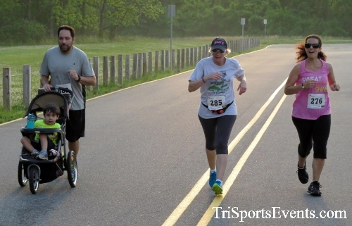 Otter Trotter 5K Run/Walk<br><br><br><br><a href='https://www.trisportsevents.com/pics/17_Otter_Trotter_5K_237.JPG' download='17_Otter_Trotter_5K_237.JPG'>Click here to download.</a><Br><a href='http://www.facebook.com/sharer.php?u=http:%2F%2Fwww.trisportsevents.com%2Fpics%2F17_Otter_Trotter_5K_237.JPG&t=Otter Trotter 5K Run/Walk' target='_blank'><img src='images/fb_share.png' width='100'></a>