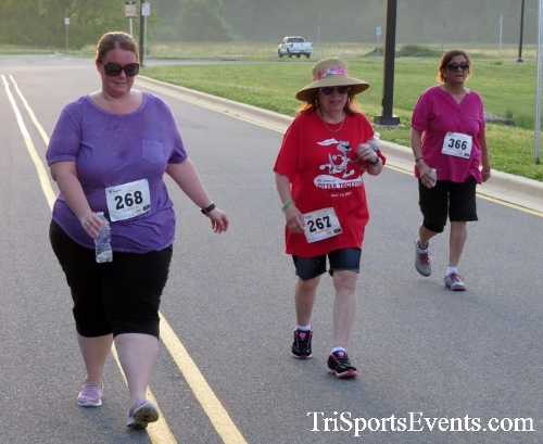 Otter Trotter 5K Run/Walk<br><br><br><br><a href='https://www.trisportsevents.com/pics/17_Otter_Trotter_5K_253.JPG' download='17_Otter_Trotter_5K_253.JPG'>Click here to download.</a><Br><a href='http://www.facebook.com/sharer.php?u=http:%2F%2Fwww.trisportsevents.com%2Fpics%2F17_Otter_Trotter_5K_253.JPG&t=Otter Trotter 5K Run/Walk' target='_blank'><img src='images/fb_share.png' width='100'></a>