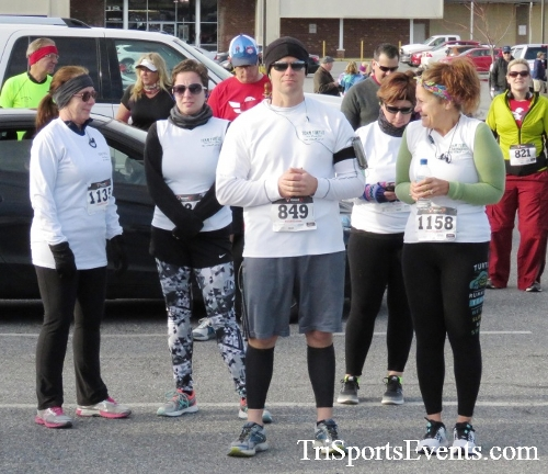 Resolution 5K Run/Walk<br><br><br><br><a href='http://www.trisportsevents.com/pics/17_Resolution_5K_002.JPG' download='17_Resolution_5K_002.JPG'>Click here to download.</a><Br><a href='http://www.facebook.com/sharer.php?u=http:%2F%2Fwww.trisportsevents.com%2Fpics%2F17_Resolution_5K_002.JPG&t=Resolution 5K Run/Walk' target='_blank'><img src='images/fb_share.png' width='100'></a>