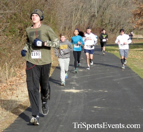 Resolution 5K Run/Walk<br><br><br><br><a href='http://www.trisportsevents.com/pics/17_Resolution_5K_029.JPG' download='17_Resolution_5K_029.JPG'>Click here to download.</a><Br><a href='http://www.facebook.com/sharer.php?u=http:%2F%2Fwww.trisportsevents.com%2Fpics%2F17_Resolution_5K_029.JPG&t=Resolution 5K Run/Walk' target='_blank'><img src='images/fb_share.png' width='100'></a>