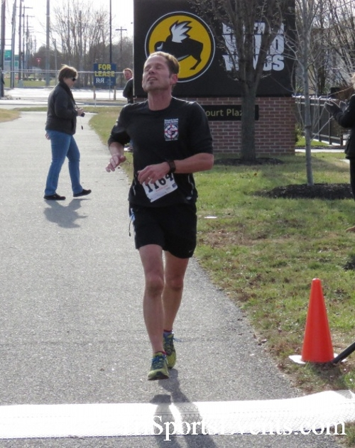 Resolution 5K Run/Walk<br><br><br><br><a href='http://www.trisportsevents.com/pics/17_Resolution_5K_092.JPG' download='17_Resolution_5K_092.JPG'>Click here to download.</a><Br><a href='http://www.facebook.com/sharer.php?u=http:%2F%2Fwww.trisportsevents.com%2Fpics%2F17_Resolution_5K_092.JPG&t=Resolution 5K Run/Walk' target='_blank'><img src='images/fb_share.png' width='100'></a>