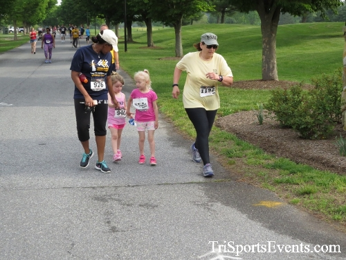 Run for Success 5K Run/Walk<br><br><br><br><a href='https://www.trisportsevents.com/pics/17_Run_for_Success_5K_039.JPG' download='17_Run_for_Success_5K_039.JPG'>Click here to download.</a><Br><a href='http://www.facebook.com/sharer.php?u=http:%2F%2Fwww.trisportsevents.com%2Fpics%2F17_Run_for_Success_5K_039.JPG&t=Run for Success 5K Run/Walk' target='_blank'><img src='images/fb_share.png' width='100'></a>