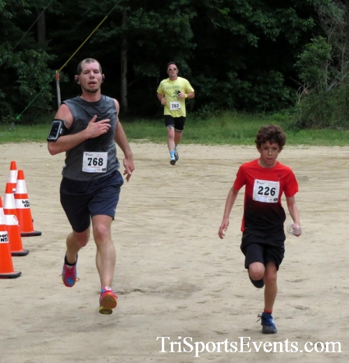 Run the Mill Trail 5K - Blair's Pond Nature Trail<br><br><br><br><a href='https://www.trisportsevents.com/pics/17_Run_the_Mill_5K_051.JPG' download='17_Run_the_Mill_5K_051.JPG'>Click here to download.</a><Br><a href='http://www.facebook.com/sharer.php?u=http:%2F%2Fwww.trisportsevents.com%2Fpics%2F17_Run_the_Mill_5K_051.JPG&t=Run the Mill Trail 5K - Blair's Pond Nature Trail' target='_blank'><img src='images/fb_share.png' width='100'></a>