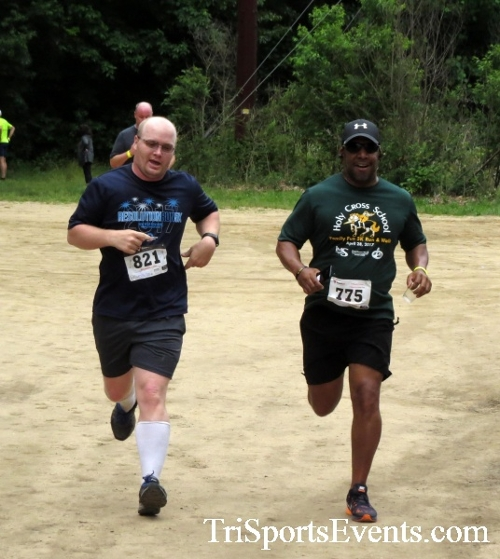 Run the Mill Trail 5K - Blair's Pond Nature Trail<br><br><br><br><a href='http://www.trisportsevents.com/pics/17_Run_the_Mill_5K_084.JPG' download='17_Run_the_Mill_5K_084.JPG'>Click here to download.</a><Br><a href='http://www.facebook.com/sharer.php?u=http:%2F%2Fwww.trisportsevents.com%2Fpics%2F17_Run_the_Mill_5K_084.JPG&t=Run the Mill Trail 5K - Blair's Pond Nature Trail' target='_blank'><img src='images/fb_share.png' width='100'></a>