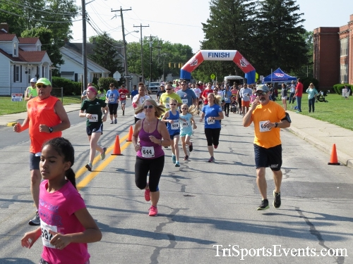 Running for Reese 5K Run/Walk<br><br><br><br><a href='https://www.trisportsevents.com/pics/17_Running_for_Reese_5K_016.JPG' download='17_Running_for_Reese_5K_016.JPG'>Click here to download.</a><Br><a href='http://www.facebook.com/sharer.php?u=http:%2F%2Fwww.trisportsevents.com%2Fpics%2F17_Running_for_Reese_5K_016.JPG&t=Running for Reese 5K Run/Walk' target='_blank'><img src='images/fb_share.png' width='100'></a>