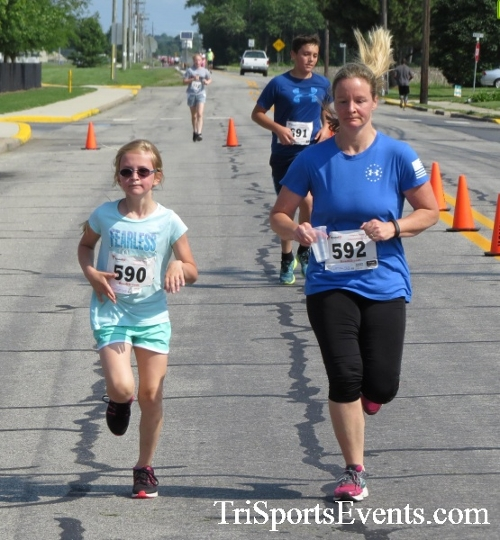 Running for Reese 5K Run/Walk<br><br><br><br><a href='http://www.trisportsevents.com/pics/17_Running_for_Reese_5K_082.JPG' download='17_Running_for_Reese_5K_082.JPG'>Click here to download.</a><Br><a href='http://www.facebook.com/sharer.php?u=http:%2F%2Fwww.trisportsevents.com%2Fpics%2F17_Running_for_Reese_5K_082.JPG&t=Running for Reese 5K Run/Walk' target='_blank'><img src='images/fb_share.png' width='100'></a>