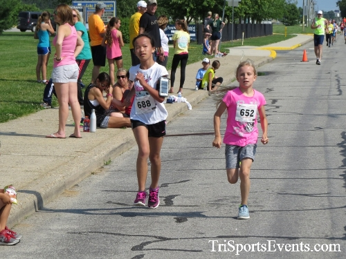 Running for Reese 5K Run/Walk<br><br><br><br><a href='http://www.trisportsevents.com/pics/17_Running_for_Reese_5K_085.JPG' download='17_Running_for_Reese_5K_085.JPG'>Click here to download.</a><Br><a href='http://www.facebook.com/sharer.php?u=http:%2F%2Fwww.trisportsevents.com%2Fpics%2F17_Running_for_Reese_5K_085.JPG&t=Running for Reese 5K Run/Walk' target='_blank'><img src='images/fb_share.png' width='100'></a>
