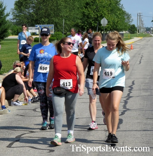 Running for Reese 5K Run/Walk<br><br><br><br><a href='http://www.trisportsevents.com/pics/17_Running_for_Reese_5K_135.JPG' download='17_Running_for_Reese_5K_135.JPG'>Click here to download.</a><Br><a href='http://www.facebook.com/sharer.php?u=http:%2F%2Fwww.trisportsevents.com%2Fpics%2F17_Running_for_Reese_5K_135.JPG&t=Running for Reese 5K Run/Walk' target='_blank'><img src='images/fb_share.png' width='100'></a>
