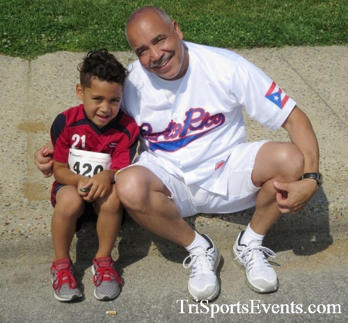 Running for Reese 5K Run/Walk<br><br><br><br><a href='http://www.trisportsevents.com/pics/17_Running_for_Reese_5K_146.JPG' download='17_Running_for_Reese_5K_146.JPG'>Click here to download.</a><Br><a href='http://www.facebook.com/sharer.php?u=http:%2F%2Fwww.trisportsevents.com%2Fpics%2F17_Running_for_Reese_5K_146.JPG&t=Running for Reese 5K Run/Walk' target='_blank'><img src='images/fb_share.png' width='100'></a>